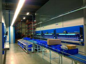 Megamat RS è disponibile in 3 differenti profondità, 5 larghezze e 3 diverse portate dei ripiani, da 180 kg a 650 kg.