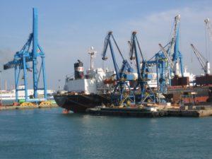 harbor-crane-1239914